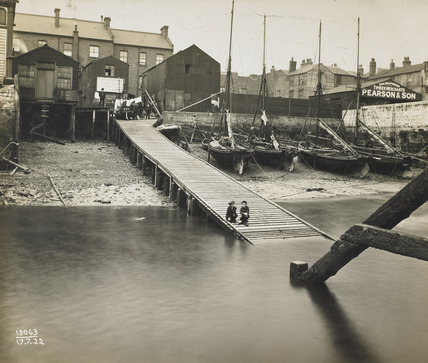 The Three Crowns Landing Stage, Gravesend : 1922