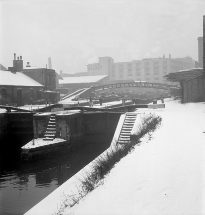 Camden Lock covered in snow: 20th century