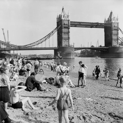 Londoners relax on Tower Beach: 1952