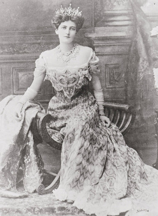 Postcard photograph of Lady Curzon: 1903