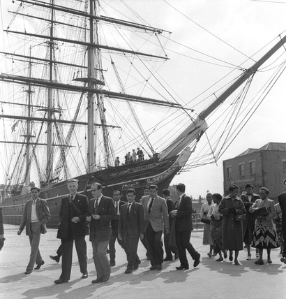 Group of students in front of the Cutty Sark: 1957