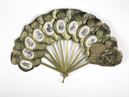 Commemorative fan with potraits of heroes of the Boer War: late 19th century