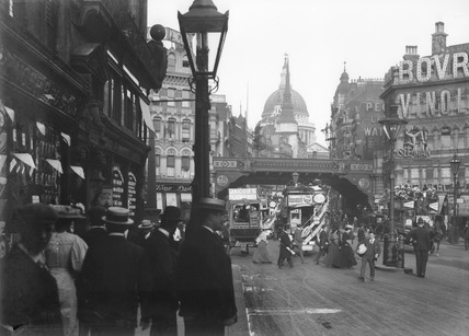 Ludgate Circus and St Paul's Cathedral: 20th century