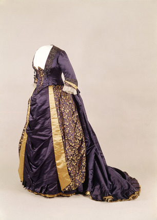 Silk evening / dinner dress: 19th century