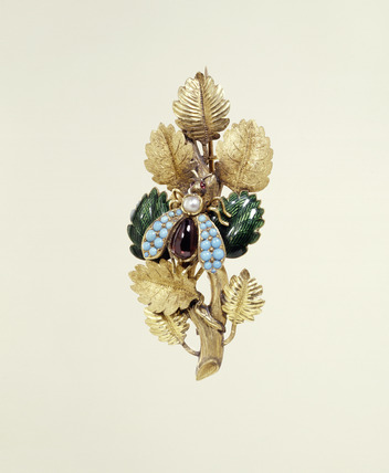 Gilt brooch: 19th century