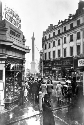 Nelson's Column with Lyons' Strand Corner House: 20th century