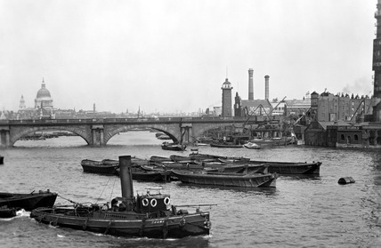 View of the river Thames looking towards Old Waterloo Bridge: 20th century