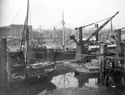 Custom House Pier and Hayes Wharf: 20th century