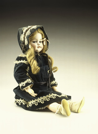 German walking doll: 20th century