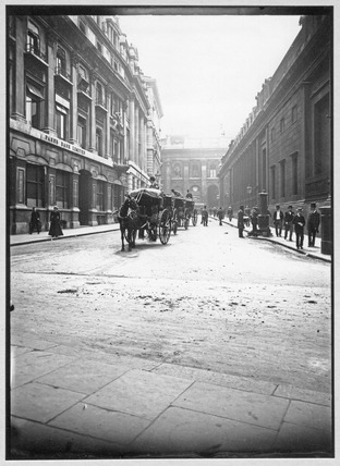 Street Scene with Horse Cabs: c.1900