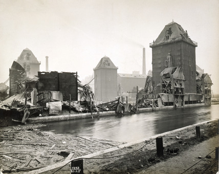 Flourmills after the Silvertown Explosion: 1917