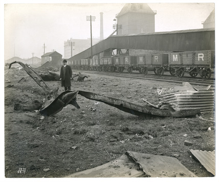 Inspecting wreckage after the Silvertown Explosion: 20th century
