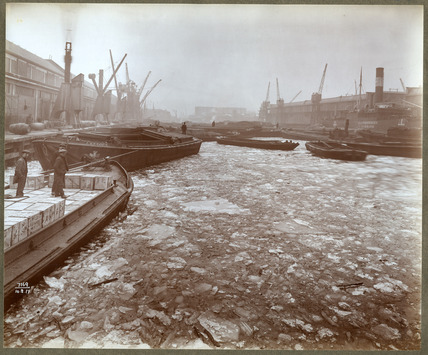 Ice in London's Western Dock:1917