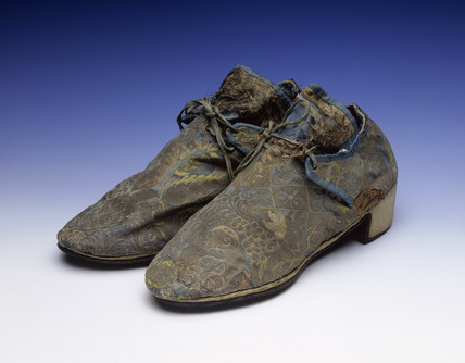 Men's blue silk brocade shoes: 18th century