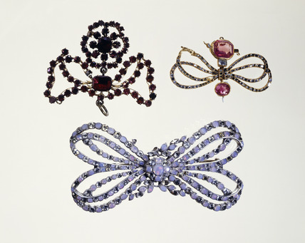 Pendants and brooch: 16th - 18th century