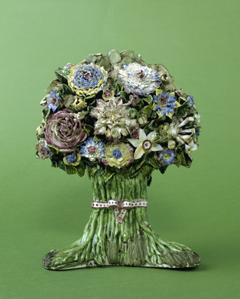 Porcelain flowers: 18th century