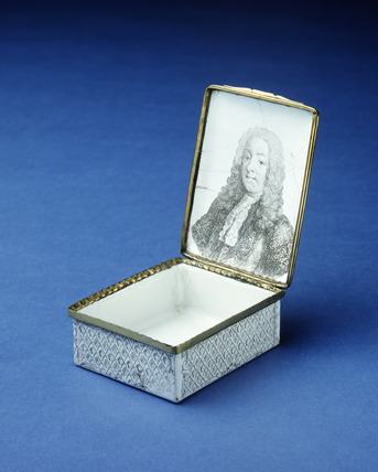 Battersea enamel box: 1755