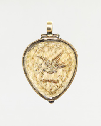Pendant in the form of a crowned heart, front view: 18th century