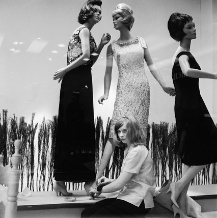 Window dressing in a fashion store: 1963