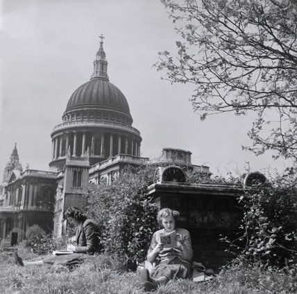 St Paul's Cathedral: 1952