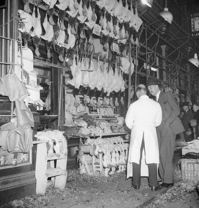 Turkeys for sale in Leadenhall Market: 1953