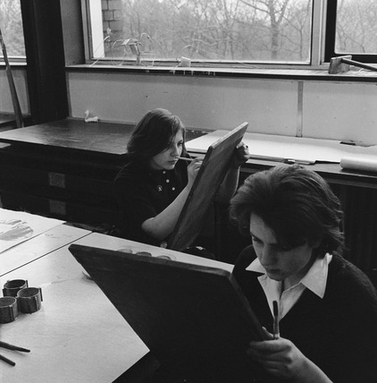 Students in an art lesson: 1959-1966