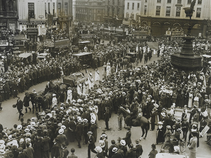 Emily Wilding Davison's funeral procession passing