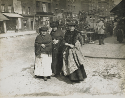 Three East End women: c.1900