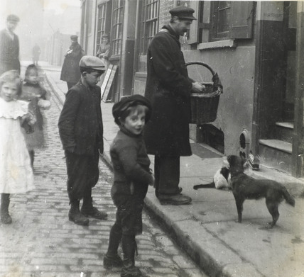 A cat's meat man c. 1900