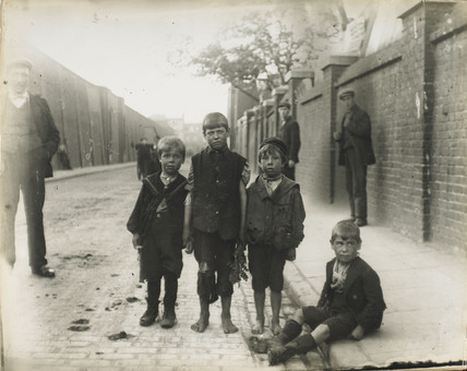 Poor and homeless East End children: c.1900