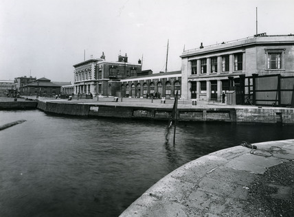 Brunswick Wharf, East India Dock: 1920