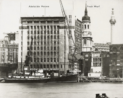 Thames Riverscape showing Adelaide House: 1937