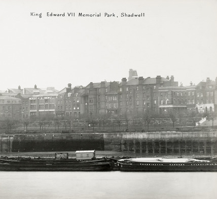 Thames Riverscape showing the King Edward VII Memorial Park, Shadwell : 1937