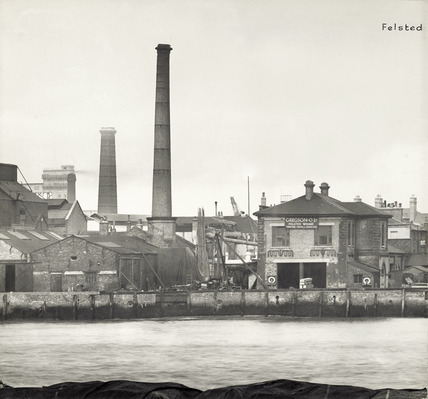 Thames Riverscape showing Felsted Wharf : 1937