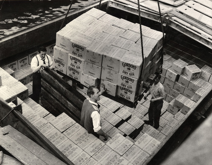 Gin loaded for export: 1959