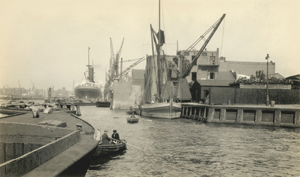 The mouth of Surrey Entrance Lock and Bellamy's Wharf; 1930