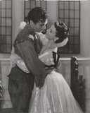 Laurence Olivier and Vivien Leigh in 'Fire Over England'