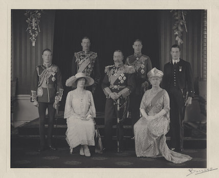 King George V with his family