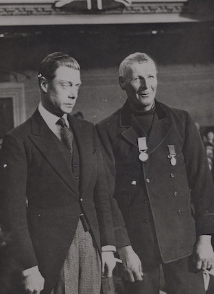 Prince Edward, Duke of Windsor (King Edward VIII); Henry George Blogg