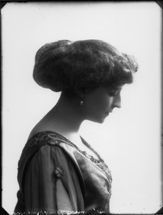 Olive Crofton (née Schneider), Lady Smith-Dorrien
