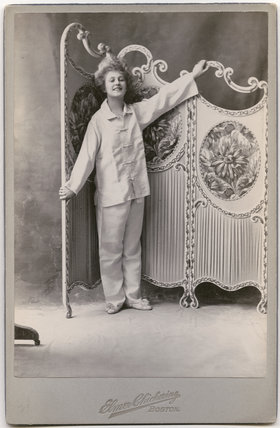 Pauline Chase as 'The Pink Payjama Girl'