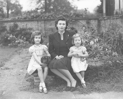 Hon. (Barbara) Suzanne Skyrme (née Lyle) with her daughters