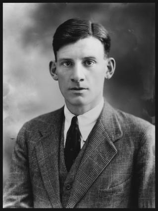 Siegfried Sassoon photo #7119, Siegfried Sassoon image
