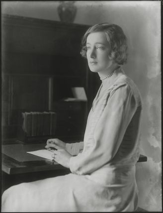Edith Constance Annesley (née Rawlinson), Countess Annesley