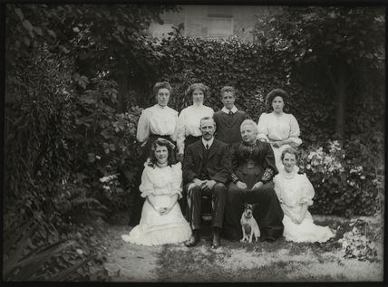 Albert Edward Broom and family