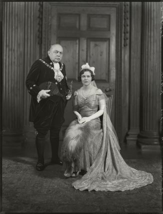 Sir Stephen Killik; Dorothy Lillian Molyneux Greenland (née Killik)