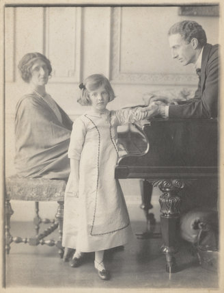 Lady Ottoline Morrell, with Philip Edward Morrell and their daughter, Julian Vinogradoff (née Morrell)