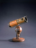 Newton's first reflecting telescope, 1668.