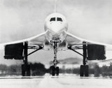 Concorde on the runway, 4 February 1977.