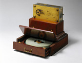 Morse tape recorder with tape drum, late 19th century.